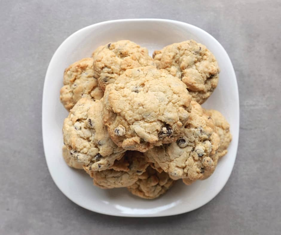 Low FODMAP chocolate chip cookies - 940 x 788