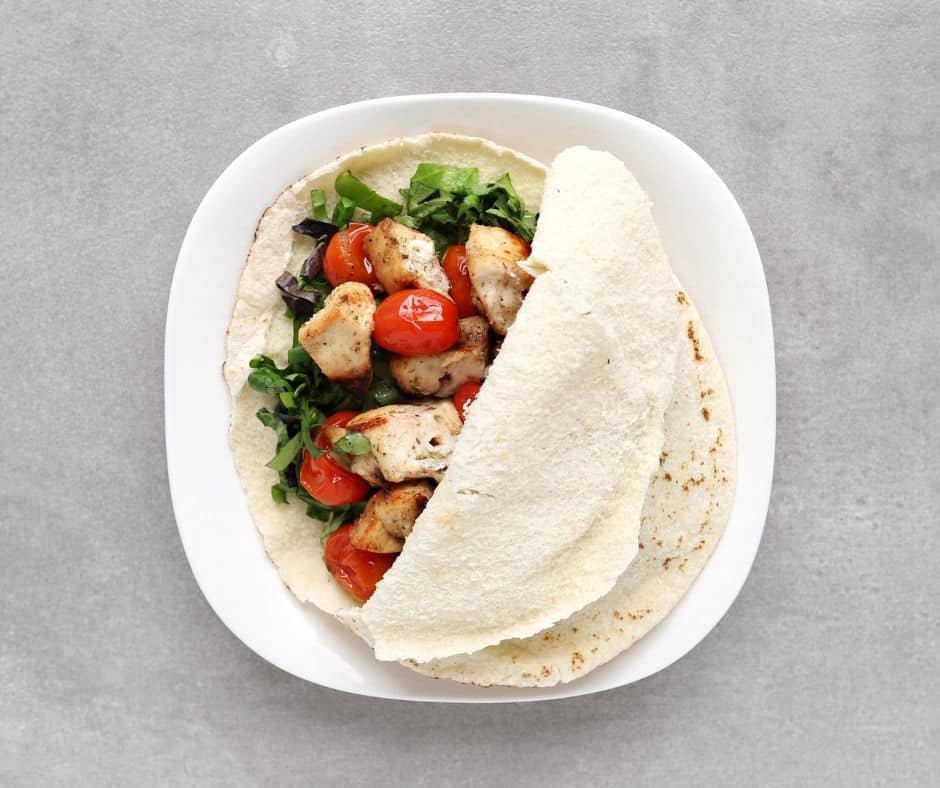 Open Low FODMAP Chicken Souvlaki on plate - 940x x788