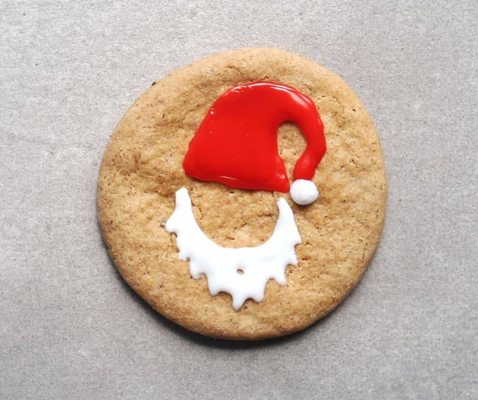 Low FODMAP Gingerbread Cookie with santa icing