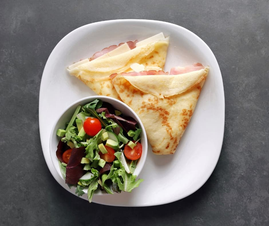 Low FODMAP Ham and Havarti Crepe with Side Salad - 940 x 788