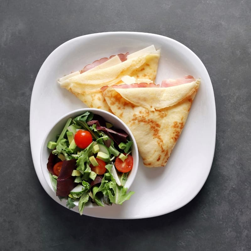 Low FODMAP Ham and Havarti Crepe with Side Salad - 800 x 800