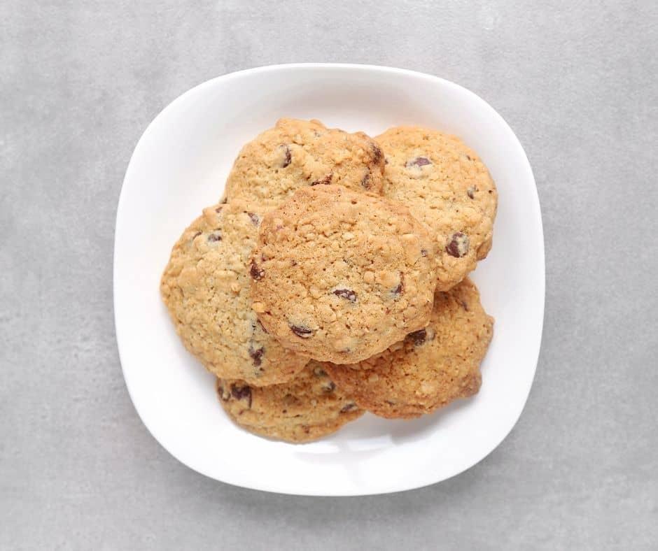Low FODMAP hazelnut cookies on plate - 940 x 788