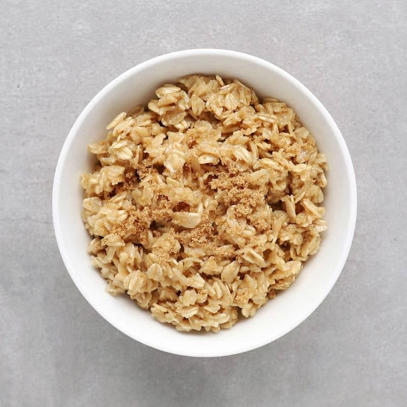 Low FODMAP maple oatmeal in bowl - 800 x 800