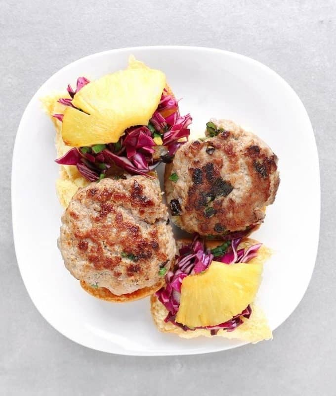 Low FODMAP sliders on plate - Feature Image