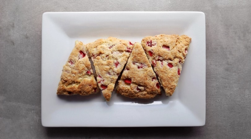Low FODMAP Strawberry Tea Biscuits - 810 x 450