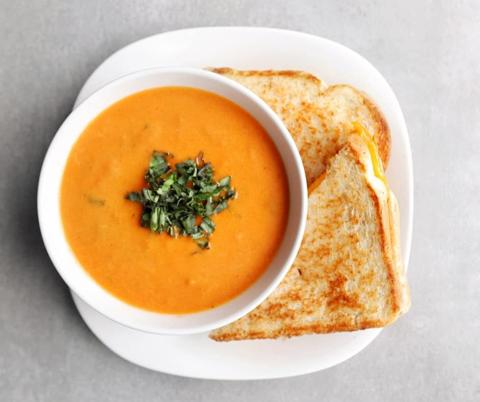 Low FODMAP tomato soup and sandwich - 940 x 788
