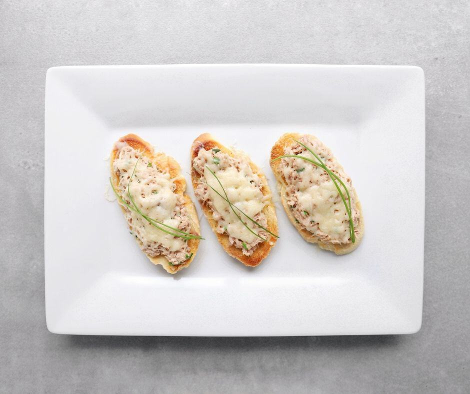 Low FODMAP Tuna Melts - 940 x 788