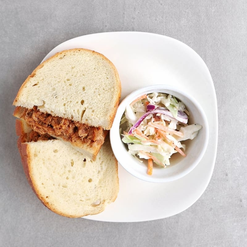 Low FODMAP Pulled Pork Sandwich on Plate - Feature Image